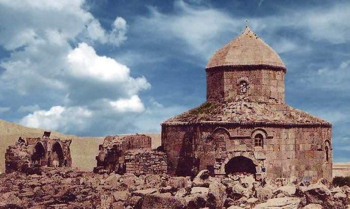 Agarak, église Saint-Etienne près de Kars, photo Musée d'Histoire d'Arménie